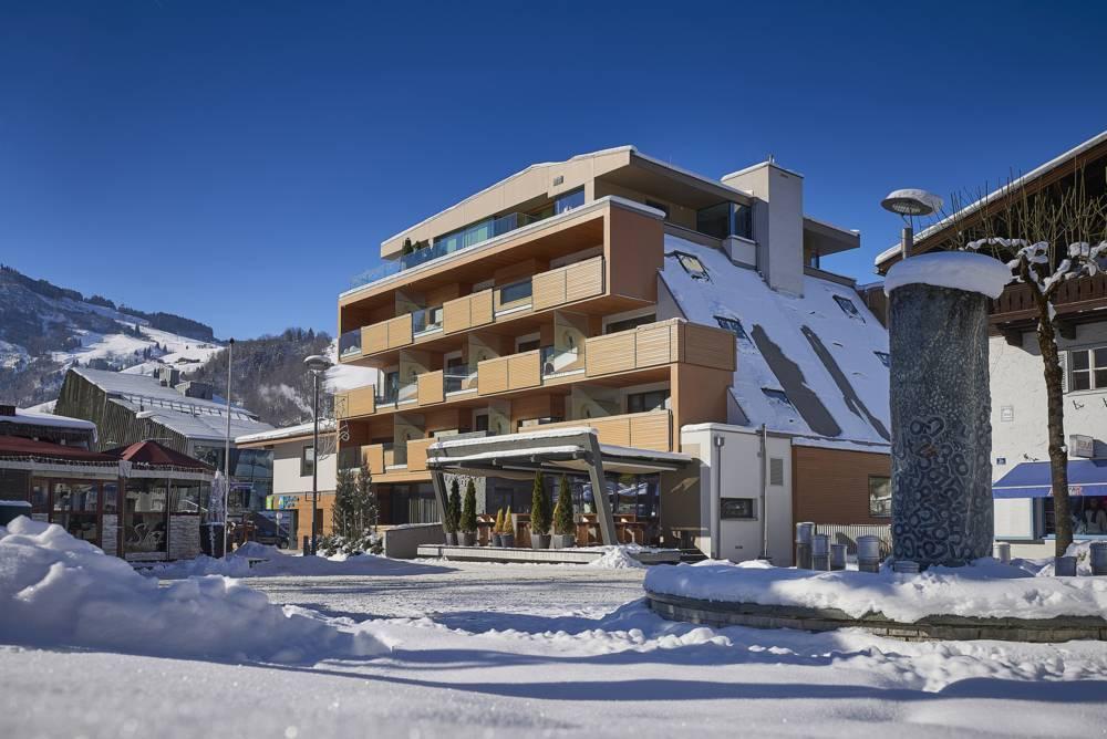 Hotel lederer 39 s living in kaprun for Designhotel skigebiet
