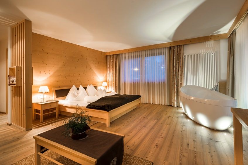 Boutique hotel nives in wolkenstein for Boutique design hotel
