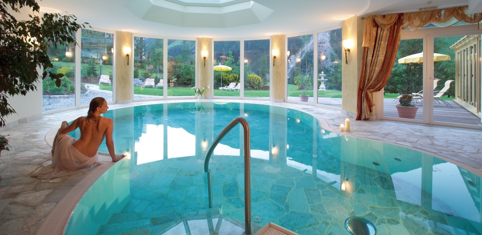 Boutique hotel lechtaler hof in warth am arlberg - Wintergarten mit pool ...