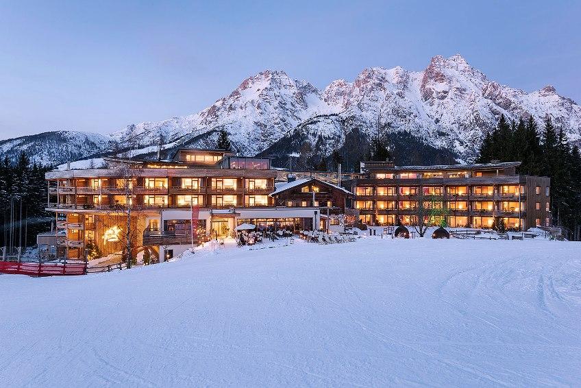 Holzhotel forsthofalm in leogang for Designhotel skigebiet